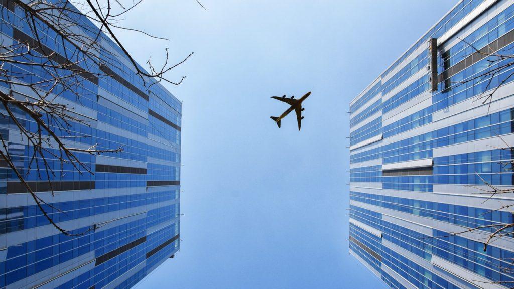 cómo calcular el flete para el transporte aéreo de mercancías internacional